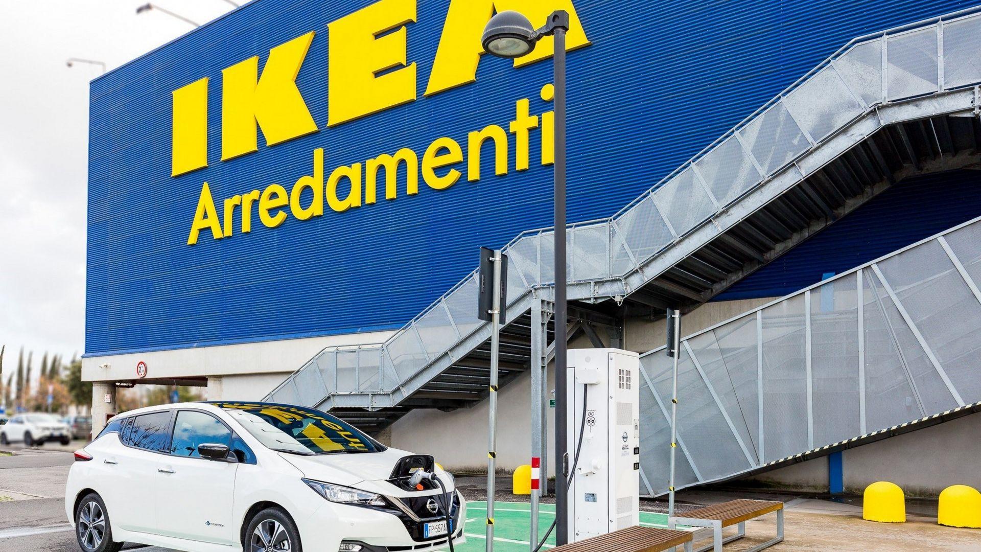 Nissan colonnina di ricarica elettrica all 39 ikea di roma - Ikea porta di roma telefono ...