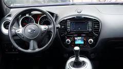 Nissan Juke 1.5 DCi N-Connecta - la plancia ospita le bocchette dell'aria centrale e i tasti del Dynamic Control System
