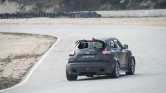 In pista con la Nissan Juke-R 2.0 - Immagine: 10