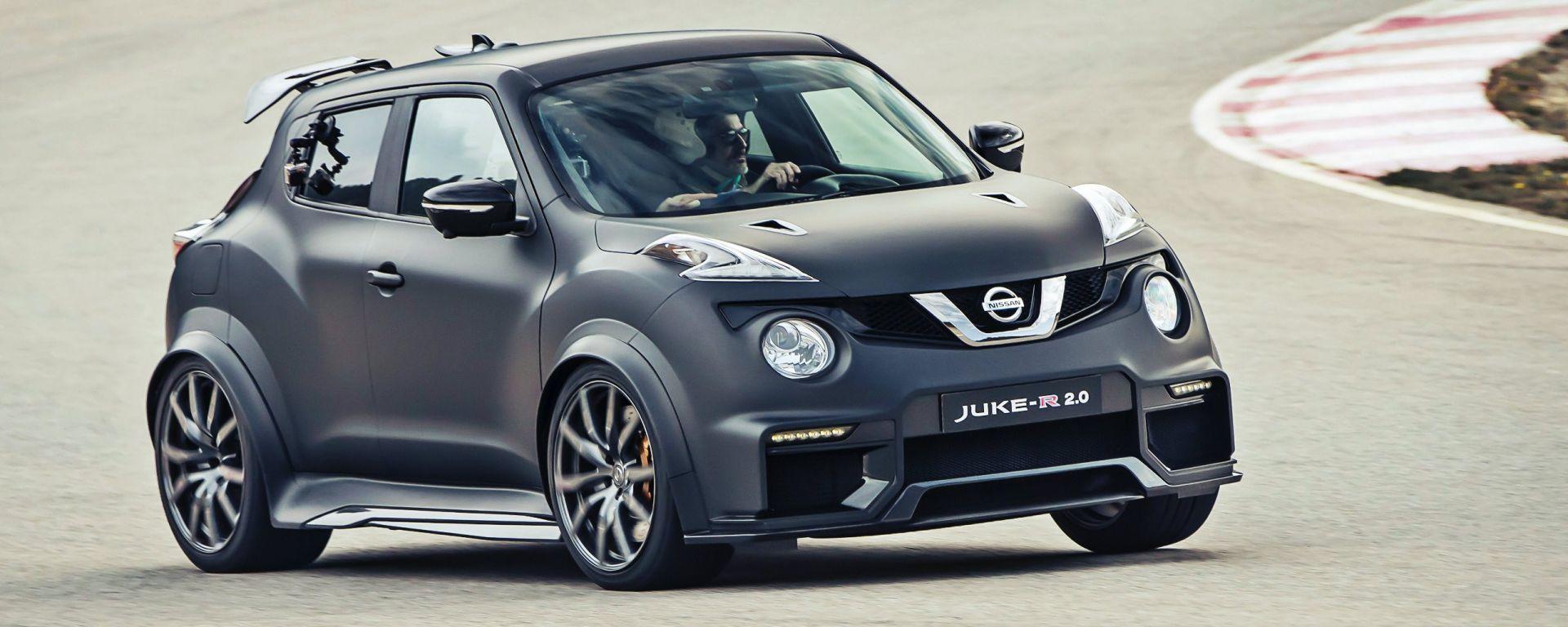 In pista con la Nissan Juke-R 2.0