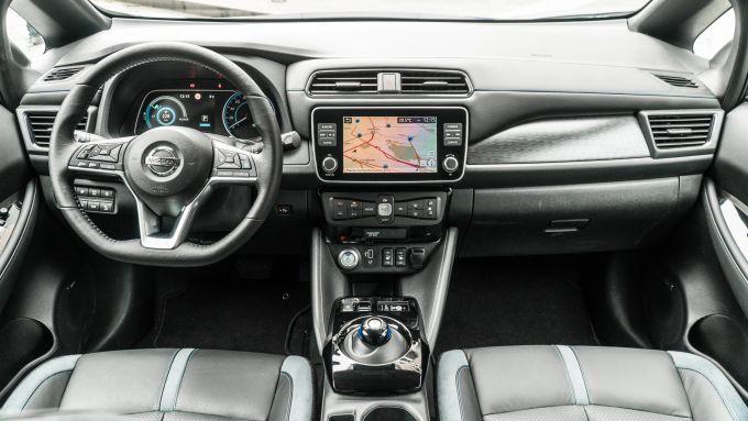 Nissan Leaf e+ Tekna: l'abitacolo