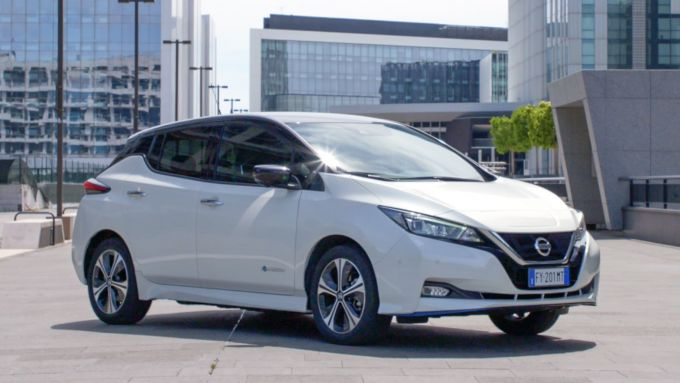 Nissan Leaf, la numero uno al mondo tra le elettriche