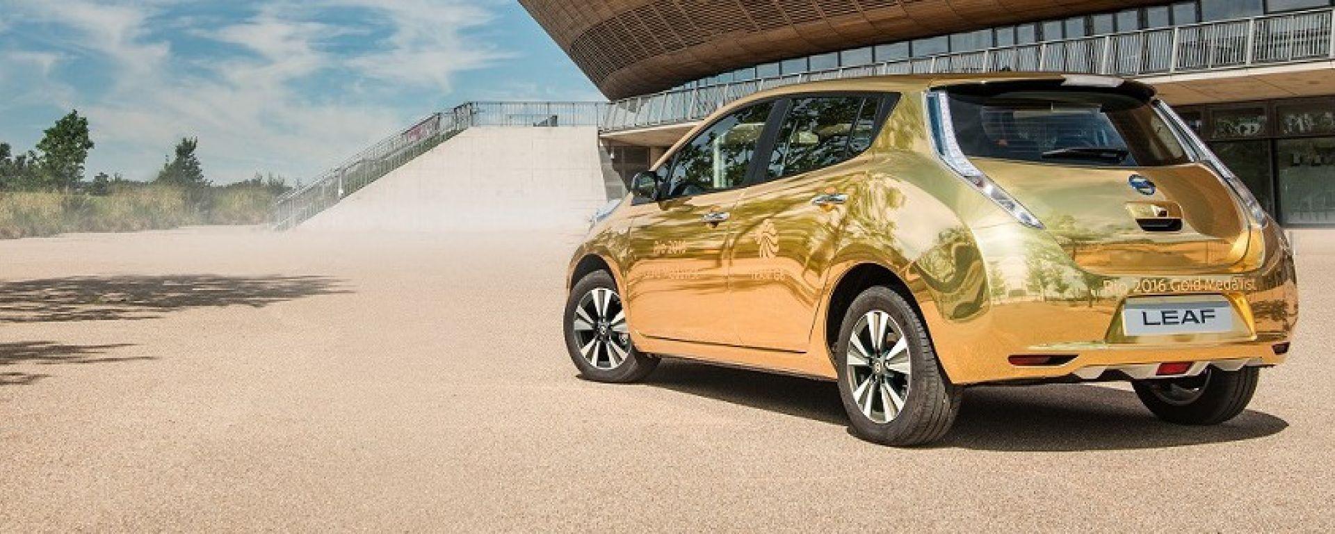 Nissan: la prima Leaf d'oro a Max Whitlock, ginnasta britannico