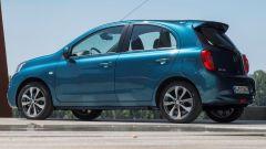 Nissan Micra fine serie: lunga 3,83 metri è agile in città