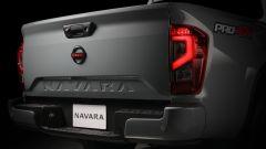 Nissan Navara 2021: nuovo lo scalino per accedere al cassone