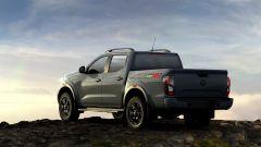 Nissan Navara 2021: vista 3/4 posteriore