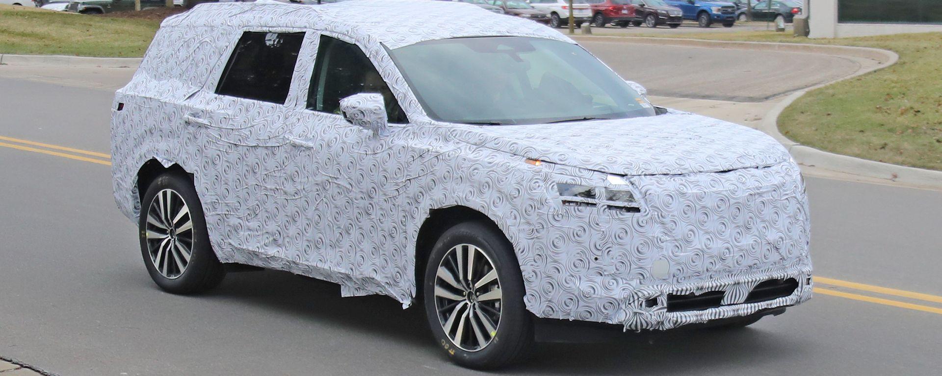 Nissan Pathfinder 2021: le prime foto spia