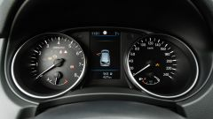 Nissan Qashqai 1.3 DIG-T N-Tec Start: il quadro strumenti analogico/digitale