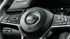 Nissan Qashqai 1.3 DIG-T N-Tec Start: un dettaglio del volante multifunzione
