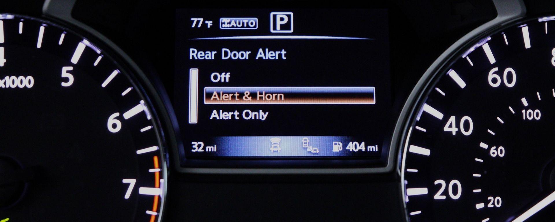 Nissan Rear Door Alert: le tre possibili impostazioni