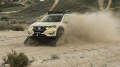 Nissan Rogue Trail Warrior: in azione su fondo sterrato