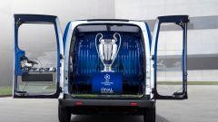 Nissan: una e-NV200 per scortare il trofeo della Champions League - Immagine: 8