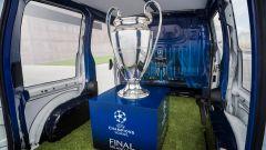 Nissan: una e-NV200 per scortare il trofeo della Champions League - Immagine: 1