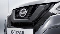 Nissan X-Trail N-TEC: la mascherina nero lucido