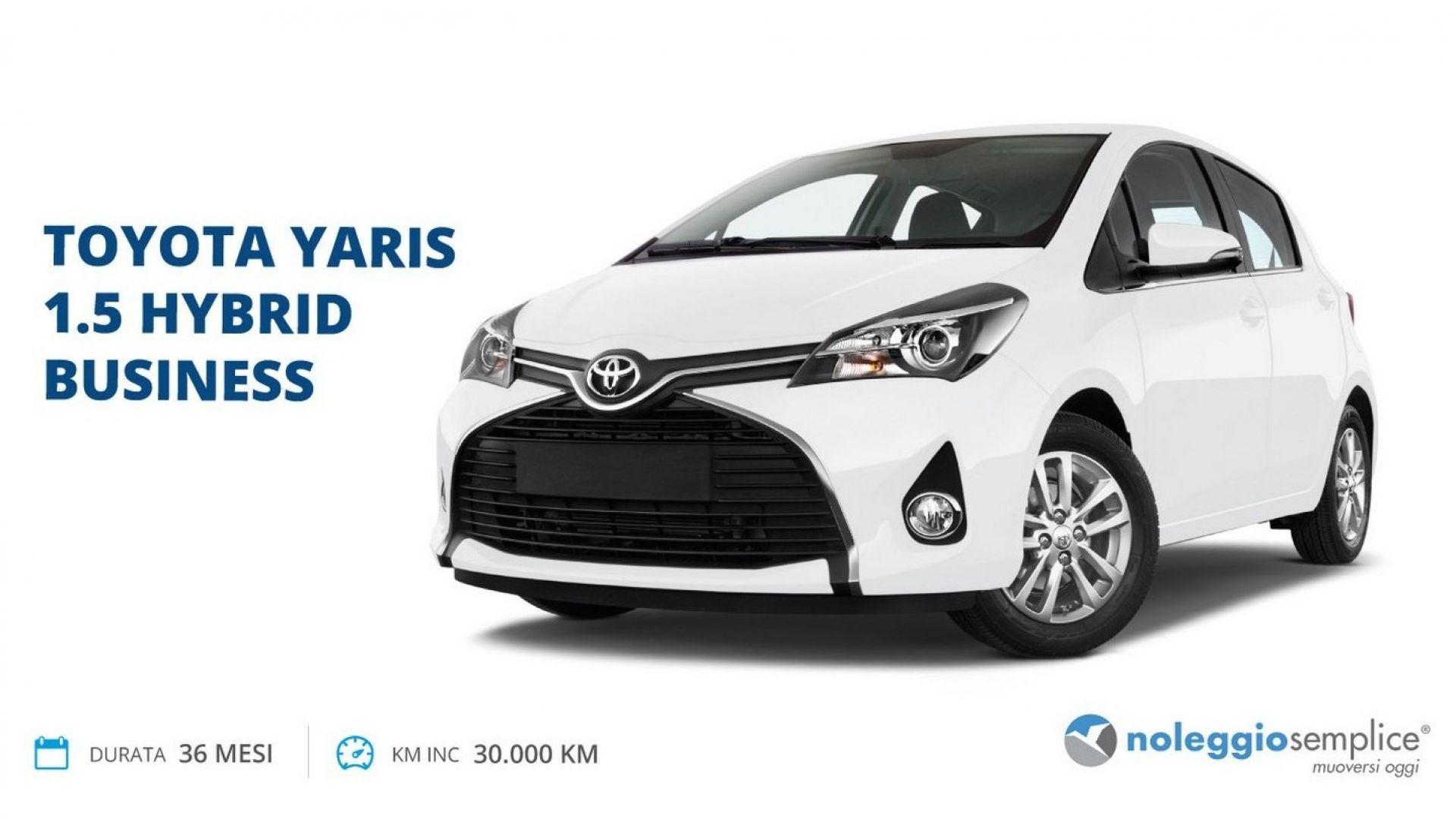 Toyota Yaris ibrida noleggio prezzo