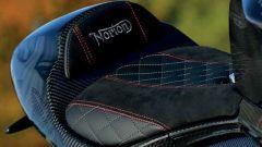 Norton V4 RR, sella
