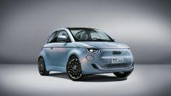 Nuova 500 elettrica cabriolet: visuale di 3/4 anteriore