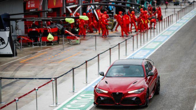 Nuova Alfa Romeo Giulia GTAm: la super berlina italiana sulla Pit Lane di Imola