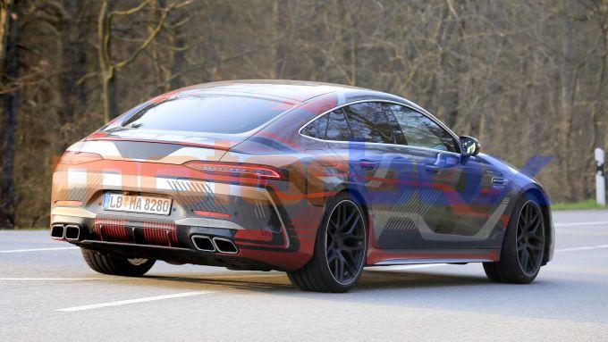 Nuova AMG GT Coupé 4 2021: motore ibrido e 800 CV di potenza