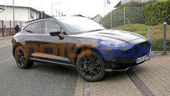 Nuova Aston Martin DBX: scheda tecnica e foto del SUV inglese