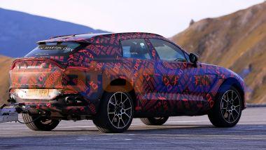 Nuova Aston Martin DBX S: i collaudi dei prototipi