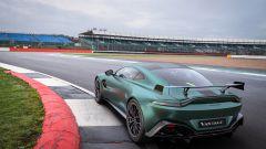 Nuova Aston Martin Vantage F1 Edition: l'auto inglese in pista
