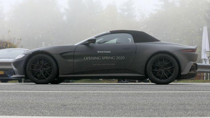 Nuova Aston Martin Vantage Volante: la decappottabile inglese arriva nel 2020