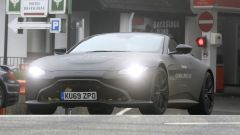 Nuova Aston Martin Vantage Volante: proiettori anteriori a LED