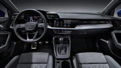Nuova Audi A3 Sportback 2020, gli interni con il cambio manuale