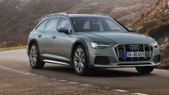 Nuova Audi A5 allroad 2019:una vista della vettura su strada