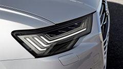 Nuova Audi A6 2018: i gruppi ottici anteriori