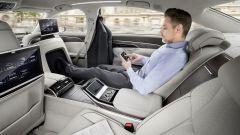 Audi A8: lusso e coccole in chiave hi-tech - Immagine: 9