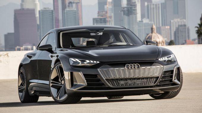 Nuova audi e-tron GT: il frontale molto distintivo della elettrica Audi