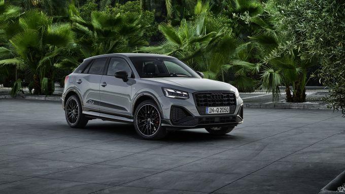 Nuova Audi Q2 2021: vista di 3/4 anteriore
