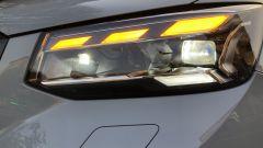 Nuova Audi Q2: i fari Matrix LED con fascio luminoso adattivo