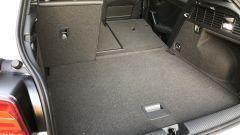 Nuova Audi Q2: il vano bagagli con lo schienale posteriore parzialmente reclinato