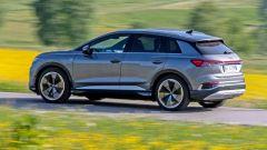 Audi Q4 e-tron, viaggio nel tempo. Prova video dell'e-SUV compatto - Immagine: 5