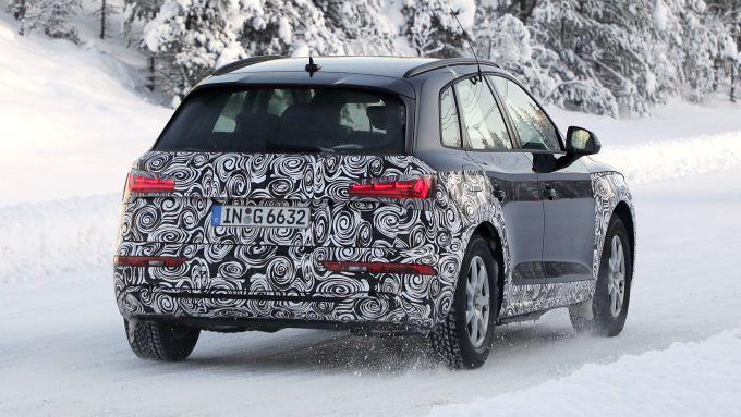 NUova Audi Q5 2020: la coda con l'inedito paraurti