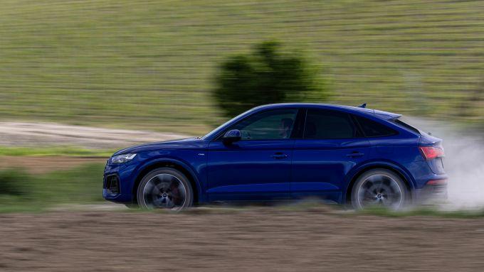 Nuova Audi Q5 Sportback PHEV: trazione integrale per affrontare strade bianche