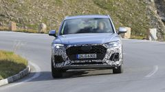 Nuova Audi Q5: vista frontale in movimento
