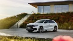 Audi Q8 TFSI e quattro, plug-in hybrid maxi-SUV coupé. Prezzi - Immagine: 14