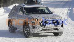 Nuova Audi Q9, spiato il maxi SUV che ha BMW X7 nel mirino - Immagine: 3