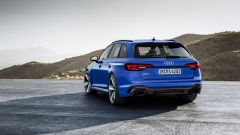 Nuova Audi RS 4 2017: il posteriore con estrattore in carbonio