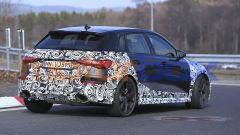 Nuova Audi RS3: il 3/4 posteriore della versione Sportback a due volumi
