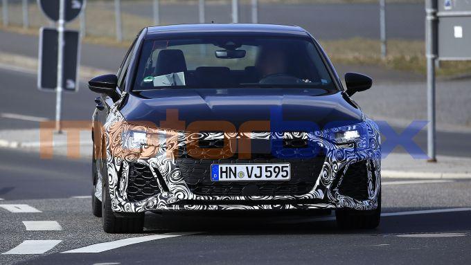 Nuova Audi RS3: la grande calandra Single Frame sarà uguale per Sportback e Sedan