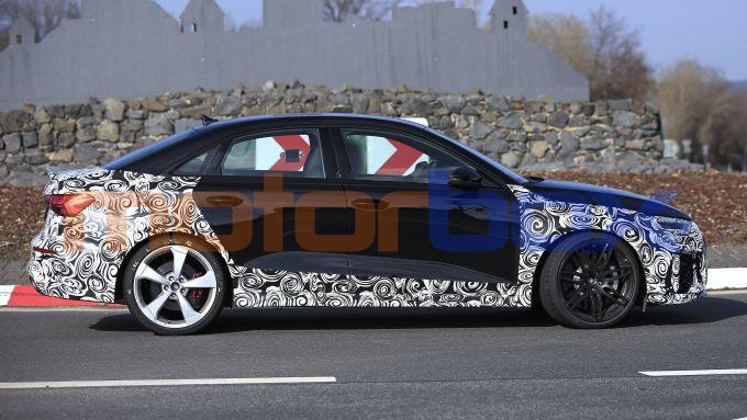 Nuova Audi RS3: manca poco all'arrivo della sportiva nelle varianti a due e tre volumi