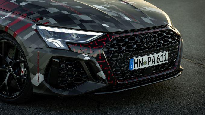 Nuova Audi RS3 Sportback 2021: il frontale con la nuova griglia