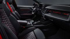 Nuova Audi RS3 Sportback: gli interni col il pacchetto RS Design rosso
