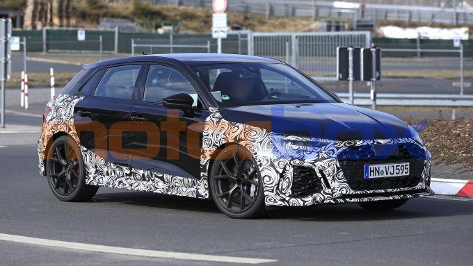 Nuova Audi RS3: un muletto pizzicato durante gli ultimi collaudi nei mesi scorsi