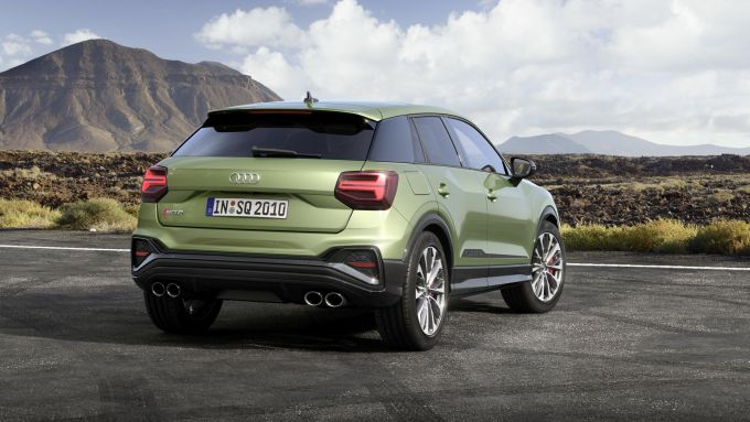 Nuova Audi SQ2: visuale di 3/4 posteriore